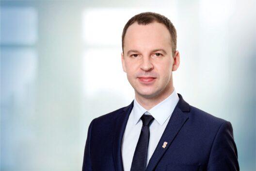Marius Kairys, Elenger Lietuva